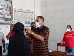 Bupati Ende Serahkan Bantuan Bagi Warga Korban Bencana Alam