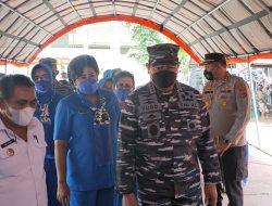 Kunker, Kasal Pantau Vaksinasi Warga Maritim di Lanal Labuan Bajo